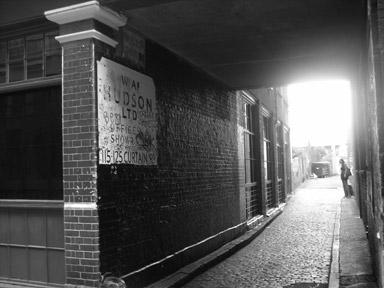 london-alley