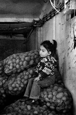 sofia-market-child