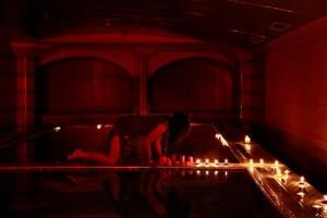 Eevil Midget dims the lights