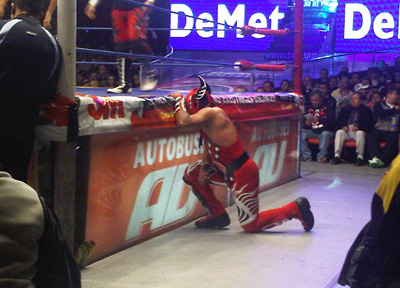 lucha-libre-ringside