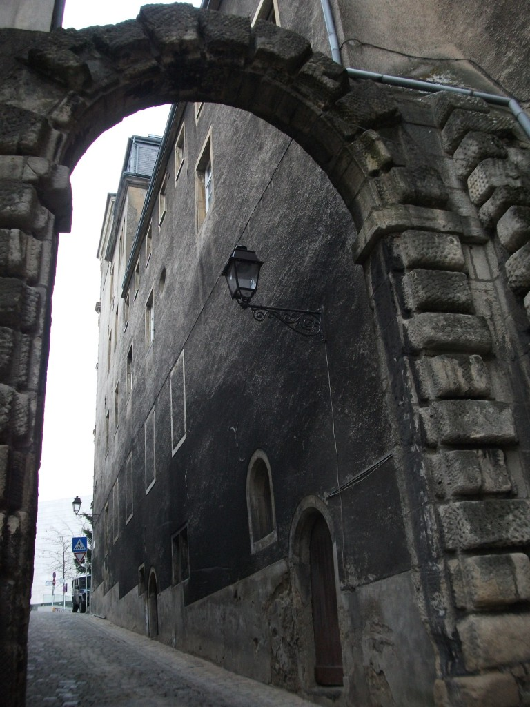 Under the arches of the Old Town