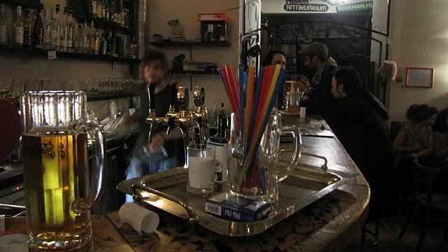 Budapest nightlife bars and restaurants