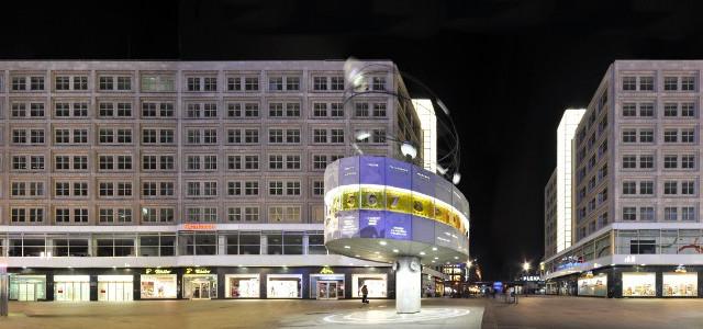 Alexanderplatz mit Weltzeituhr (world time clock)