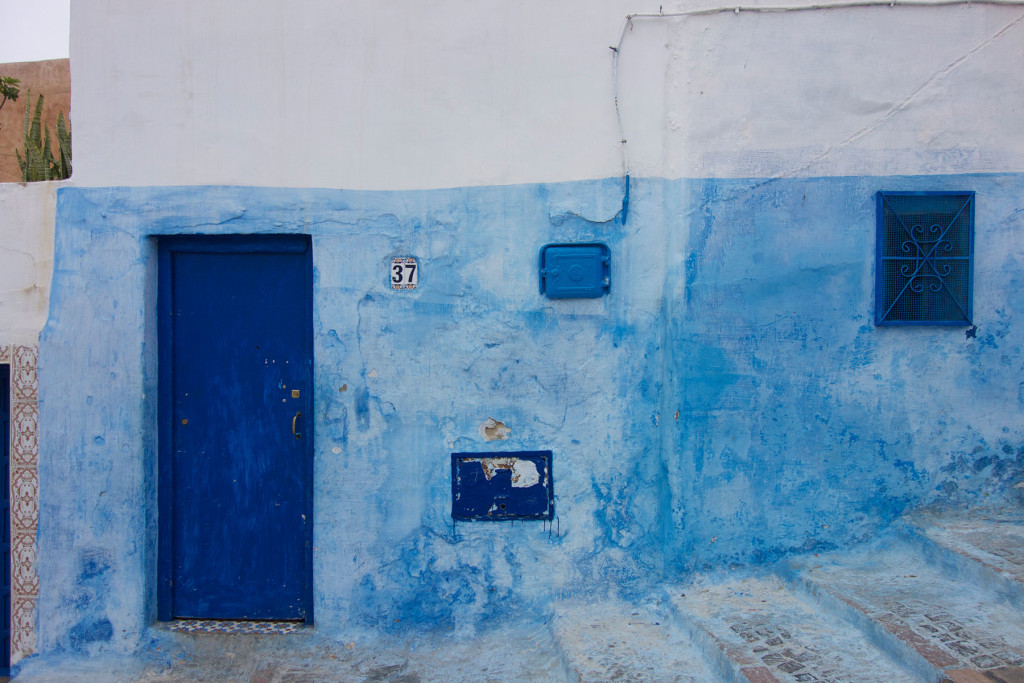 Blue-and-white-kasbah-wall