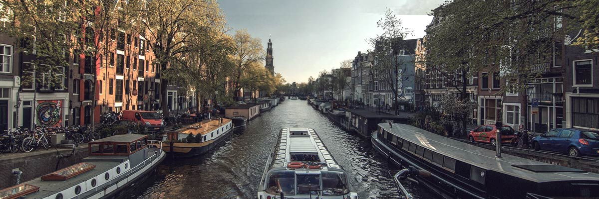 urban tourism amsterdam Amsterdam is the outlier, the extreme city, the wild city, the ideal city what we're interested in is comparing social and environmental justice in the united sates.