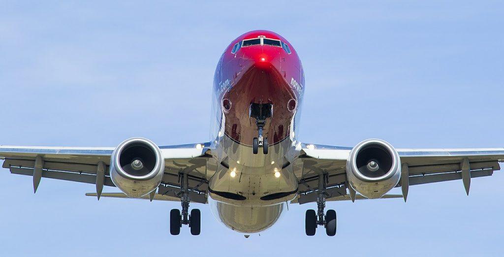 flight-546204_1280