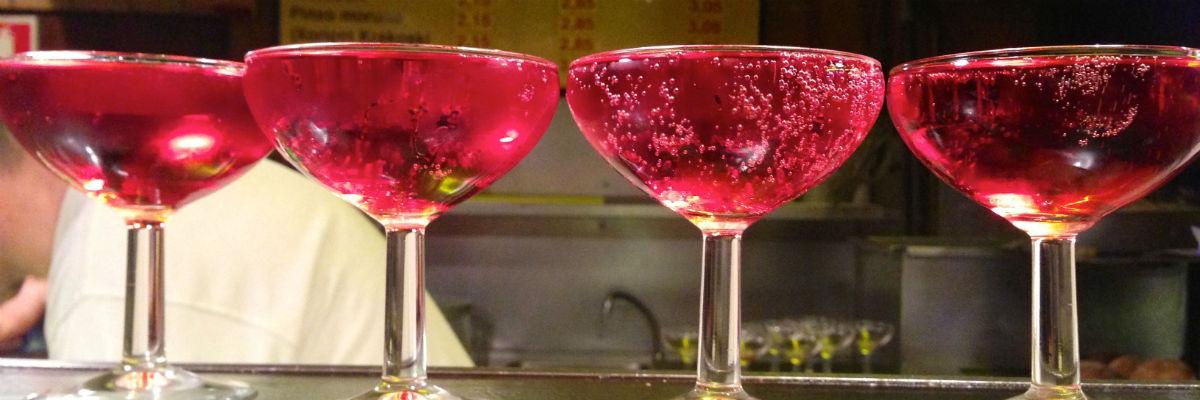 drinking-cava-barcelona