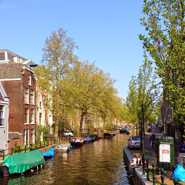 Angloyankophile.blogspot.co.uk Spring Canals in Amsterdam - Copy