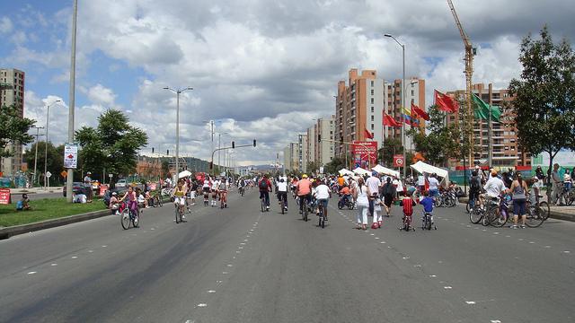 Ciclovia is a weekly event on Sundays / Source: Saúl Ortega, Flickr, cc by-sa