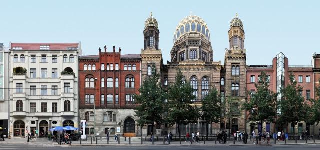 Berlin_Architecture_06_NeueSynagoge