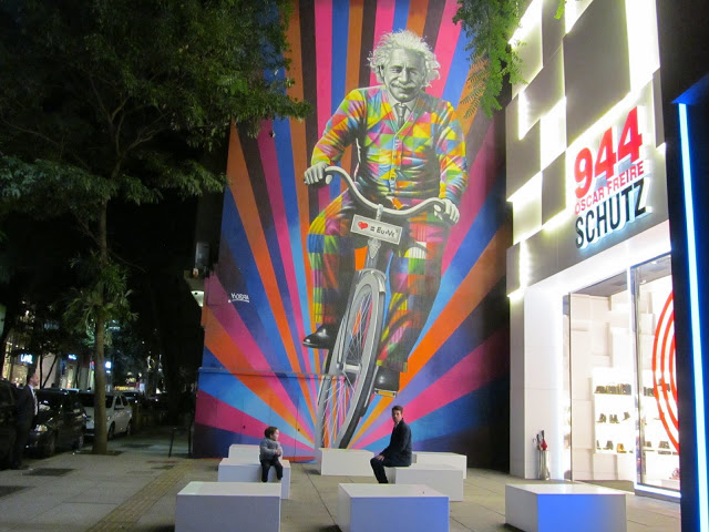 You'll find art and shops wherever you look in São Paulo   Credit: Daytours4u