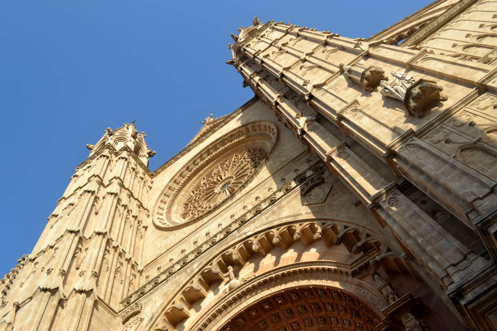 You can't miss Palma's cathedral... one of Europe's greatest!