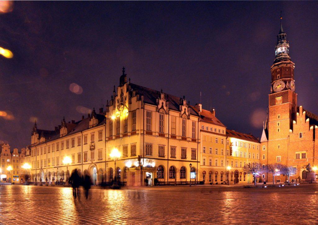 Nowy Ratusz Wroclaw nightview dolny slask Polska
