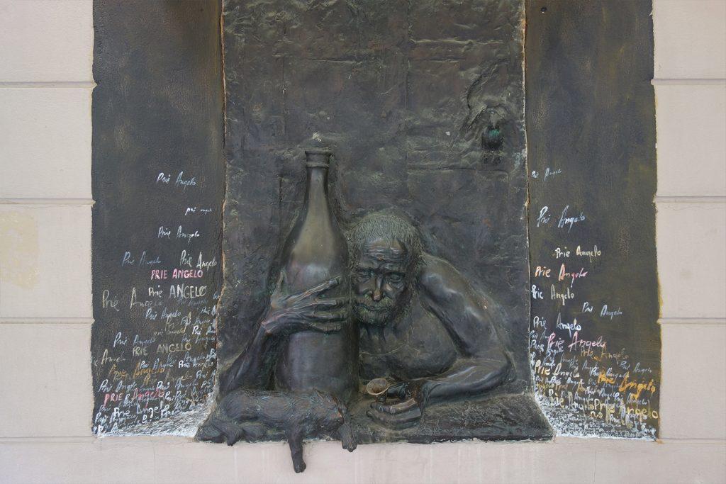 Statue of an alcoholic Uzupis