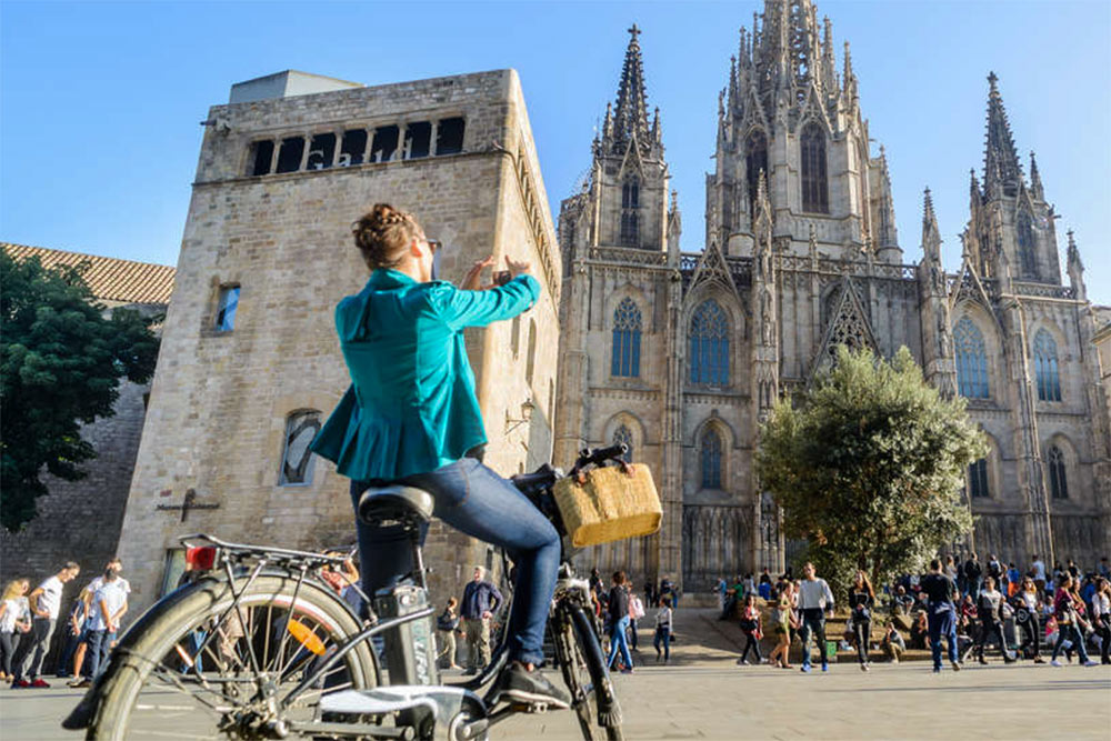 electric-bike-tour-of-barcelona